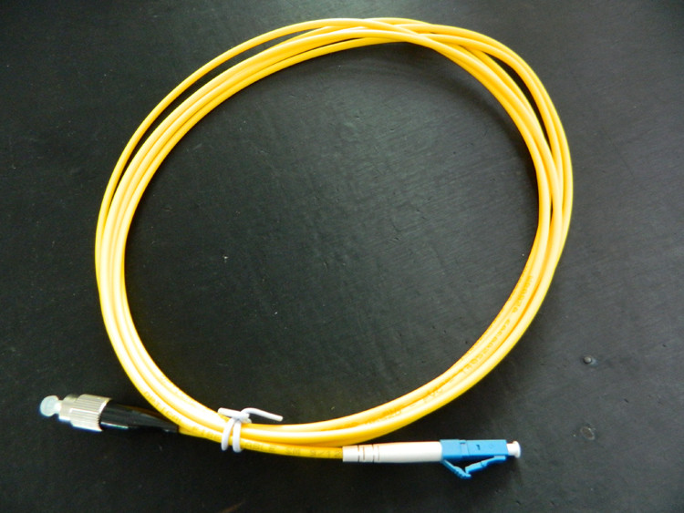 FC UPC to LC UPC 9/125 OS2 Simplex Single-Mode Fiber Optic Patch Cord,Fiber Optic Patch Cables